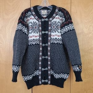 Dale of Norway wool sweater with metal clasps size large